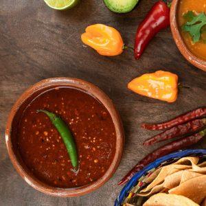 Sauce piquante et salsa